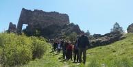 Gümüşhaneli dağcılar kadim şehir Süleymaniyeden Canca kalesine yürüdü