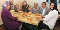 Başkan Çimen, vatandaşların iftar sofralarına konuk oluyor