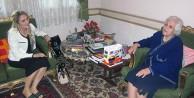 Bayan Yavuz Emekli Öğretmen Yıldız Eskicioğlu'nu Ziyaret Etti