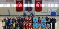 Hetbolda Atatürk Ortaokulu birinci oldu