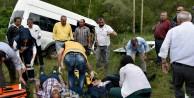 İnşaat İşçilerini Taşıyan Minibüs Kaza Yaptı