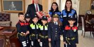 Minik Polislerden Vali Yavuza Ziyaret