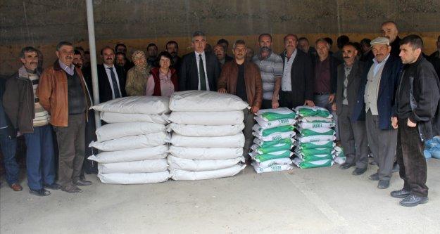 Üreticilere patates, kuru fasulye ve yem bitkileri tohumu dağıtıldı