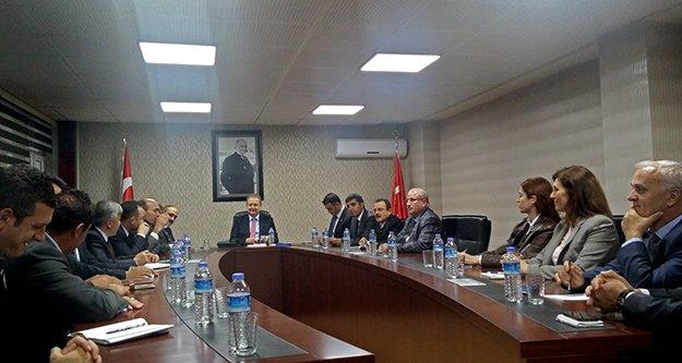 Vali Yavuz Kurum Müdürleriyle Toplantı Yaptı