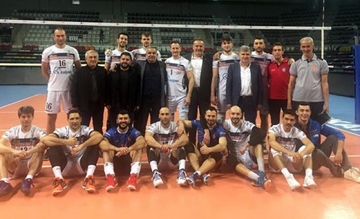 Torul Gençlik'ten finallere süper başlangıç: 3-0