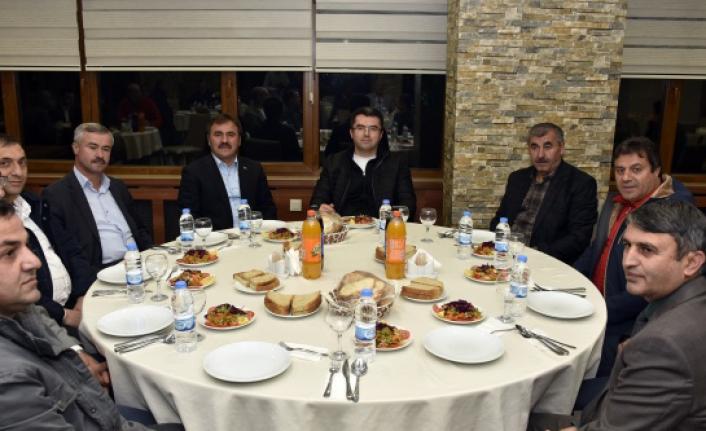 Gümüşhane'de amatör spor kulüpleri yemekte bir araya geldi