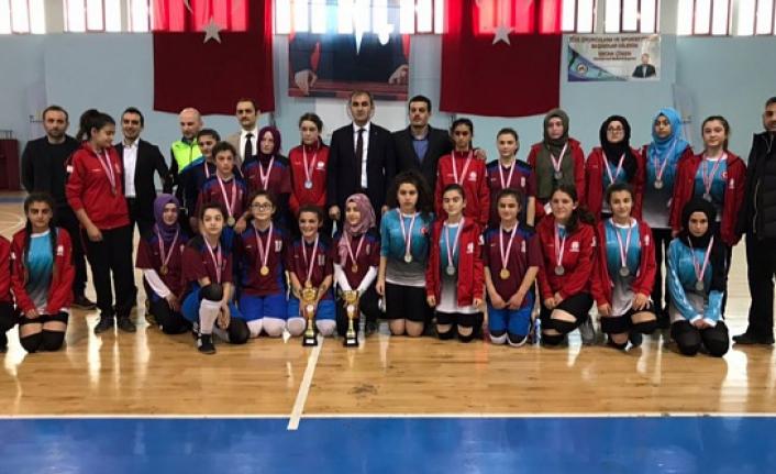Yıldız Kızlar Futsal müsabakaları sona erdi
