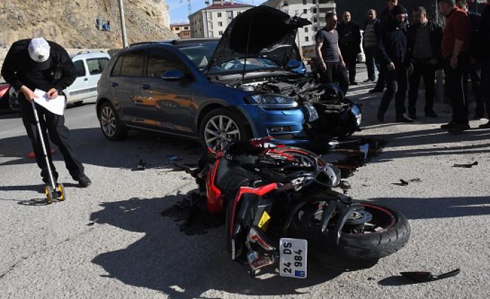 Gümüşhane'de otomobille motosiklet çarpıştı: 2 yaralı