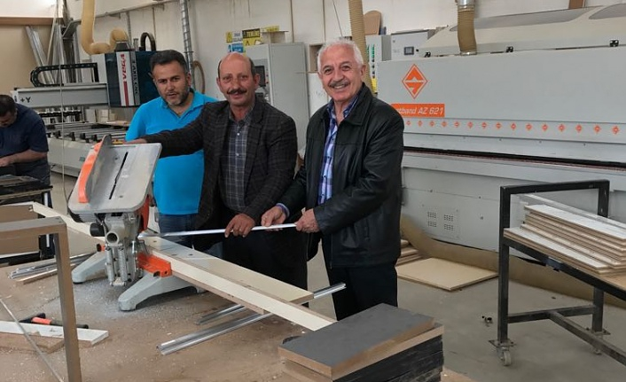 Duran, son teknoloji makinelerle mutfak ve ev mobilyaları üretiyor