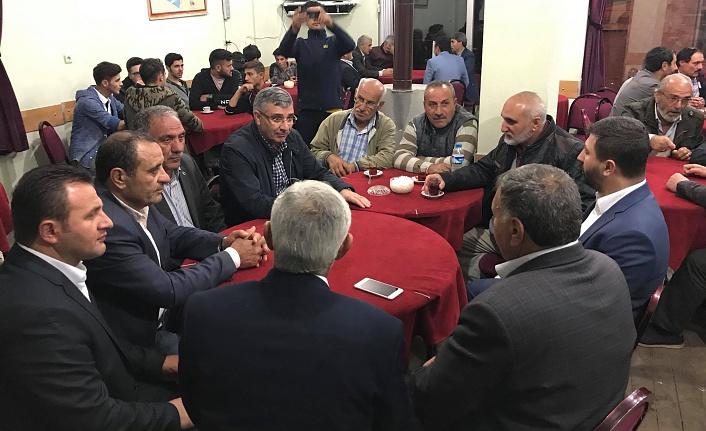 AK Parti köylere çıkarma yaptı