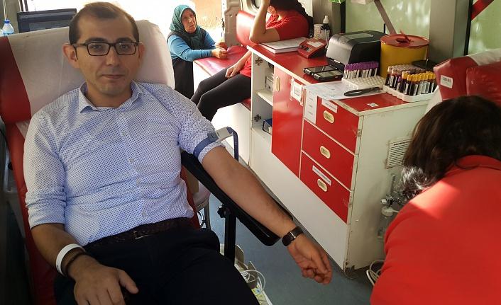 İl Özel İdaresi çalışanlarından kan bağışı