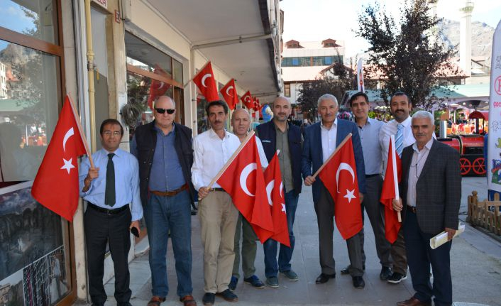 750 işyeri Türk Bayrağı ile donatıldı