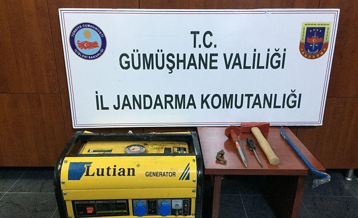 Santa Antik Kentindeki kaçak kazı yapanlar Jandarma'dan kaçamadı
