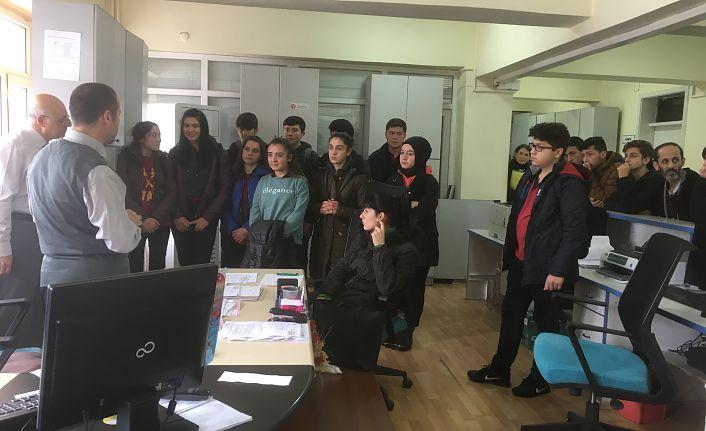 Muhasebe öğrencileri Vergi Dairesi'ni ziyaret etti