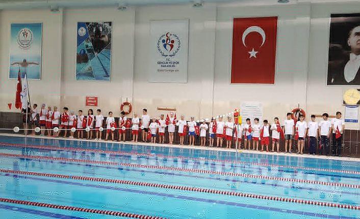 Gümüşhane'de 2.yüzme şampiyonası