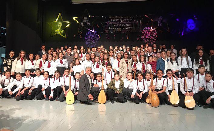 Gazipaşa Ortaokulundan 100 öğrenciyle muhteşem performans