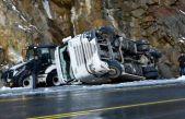 Zigana'da kar yağışı kazaları da beraberinde getirdi