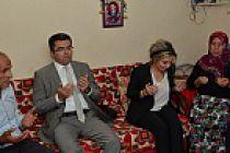 Vali Memiş'ten şehit öğretmenin ailesine taziye ziyareti