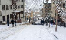 Kar yağdı 2 saatte 5 maddi hasarlı kaza meydana geldi