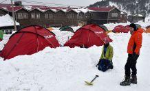 Zigana dağında ağır kış şartlarında hayatta kalmayı öğreniyorlar