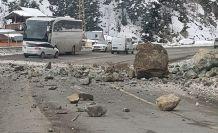 Zigana'da kaya düşmelerine dikkat