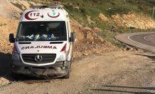 Gümüşhane'nin ambulansı Kop dağında kaza yaptı: 2 yaralı