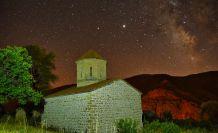 Perseid meteor yağmurunu 670 yıllık tarihi yapıda izlediler
