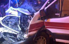 Kelkit'te ambulans kaza yaptı: 2 yaralı