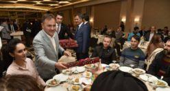 Gümüşhane protokolü öğretmenlerle yemek programında bir araya geldi