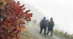 Gümüşhaneli dağcılar dünyanın en tehlikeli yolunda yürüdü