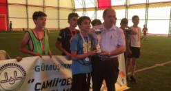 Önce Kur'an kursuna gittiler sonra futbol turnuvasına
