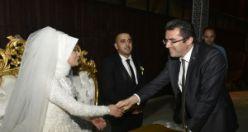 Vali Memiş, personelinin nikah şahidi oldu
