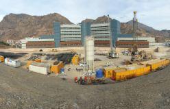 Yeni hastane için yerin 15 kat altına duvar yapılıyor