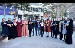 İşaret dili kursiyerlerinden Gümüşhane caddelerinde sosyal deney