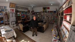 Bir kitapla başladı 55 yılda 12 bin kitaplık kütüphane kurdu
