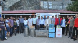 Gümüşhane'de genç çiftçilere arı ve arıcılık malzemesi dağıtıldı