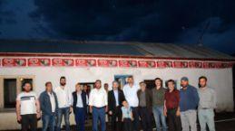 Başkan ve üyeler Satala'da