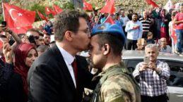 Kahramanlar Kürtün'de güllerle, dualarla karşılandı