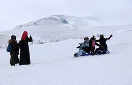 Zigana dağında kar kalınlığı 80 santimetreye...