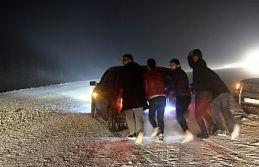 Kar yağışı Zigana dağı geçidinde ulaşımı...