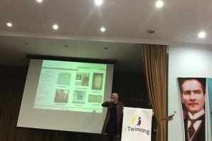 Öğretmen ve İdarecilere eTwinning Bilgilendirme Seminerleri yapıldı