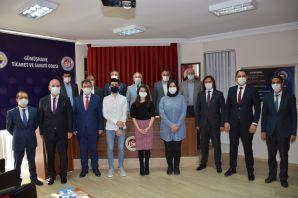 GTSO'dan YKS'de dereceye giren öğrencilere destek