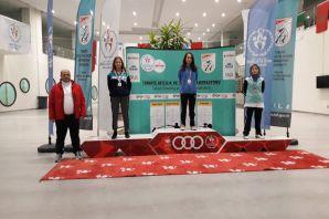 Şampiyon atıcılardan altın madalyalar