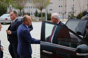 Sungurlu Rektör Zeybek'i ziyaret etti