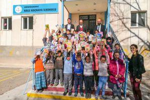 'Kitap Kardeşliği' projesi devam ediyor