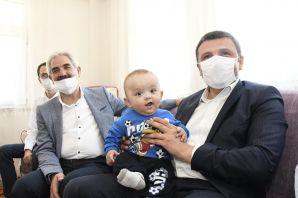 Üçüz bebeklerine 'Recep', 'Tayyip', 'Erdoğan' ismini verdi