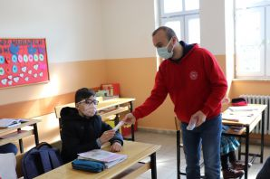 Gençlik Merkezi minik yürekler için köy okullarında
