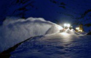 Gümüşhane'de köy yolları ulaşıma açıldı