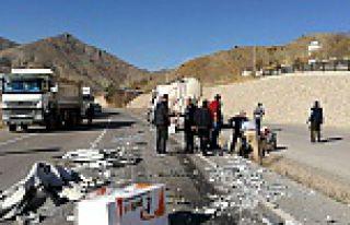 Gümüşhane-Bayburt karayolunda TIR'lar çaprıştı:...
