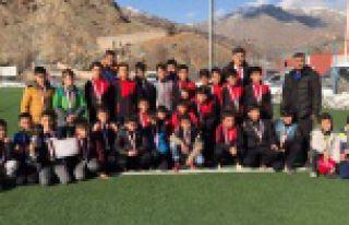 Okullar arası yıldız ve küçük erkek futbol müsabakaları...